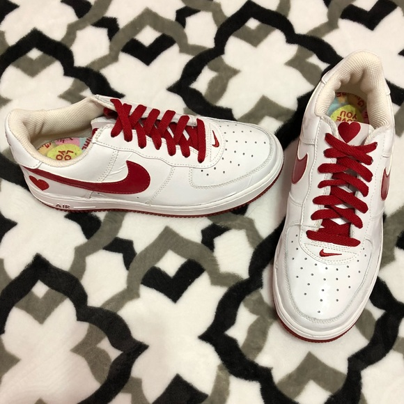Nike Air Force 1 Valentines Day Limited Edition